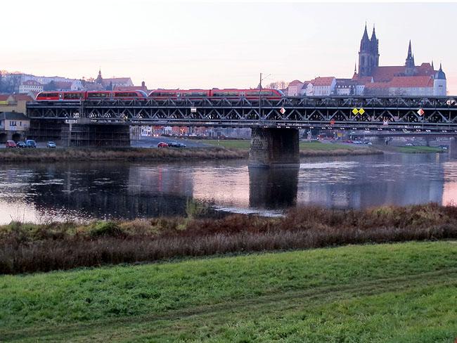 Vorerst letzter Personenzug aus Richtung Leipzig erreicht Meißen (Foto: Peter Wunderwald)